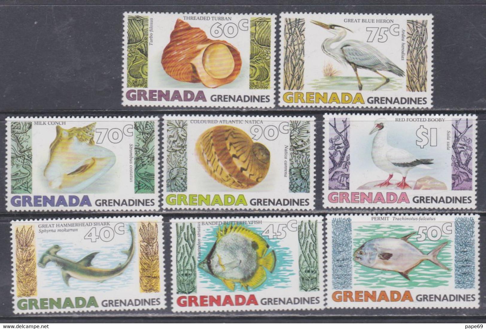 Grenadines N° 304 / 11 XX Poissons, Coquillages Et Oiseaux Marins Les 8 Valeurs  Sans Charnière, TB - America (Other)