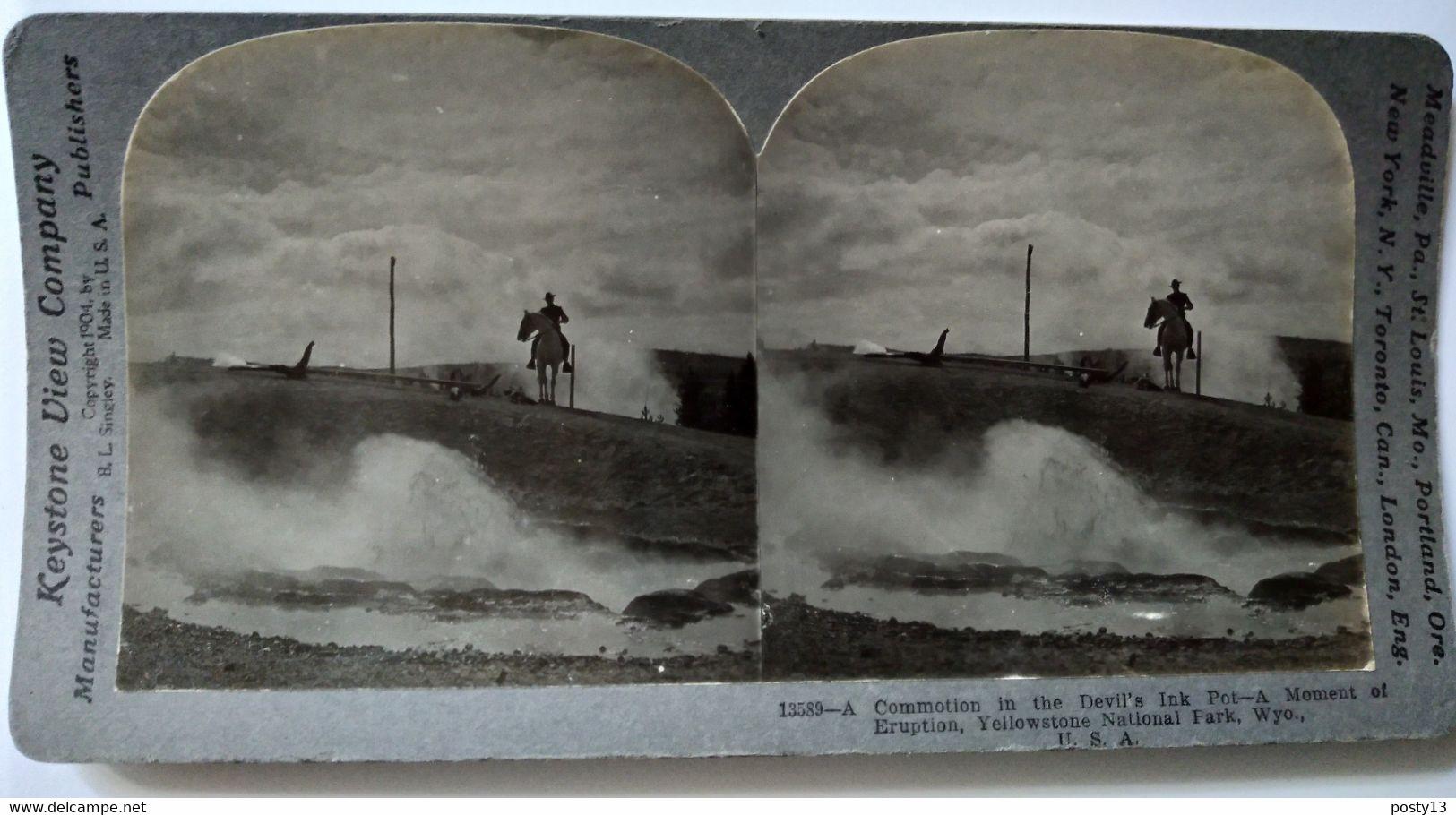 PHOTO STÉRÉO USA   Cow-Boy Et Eruption Dans Le Parc De Yellowstone - Photo De Singley - 1904 - Ed. Keystone - BE - Photos Stéréoscopiques