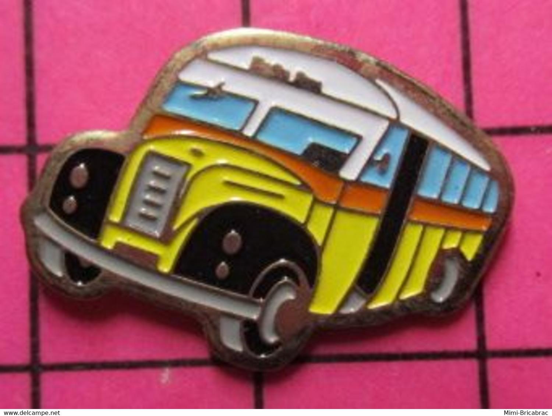 Sp07 Pin's Pins / Beau Et Rare / THEME : TRANSPORTS / AUTOBUS ROUTIER SUISSE ANNEES 50 JAUNE BLANC NOIR ROUGE - Trasporti