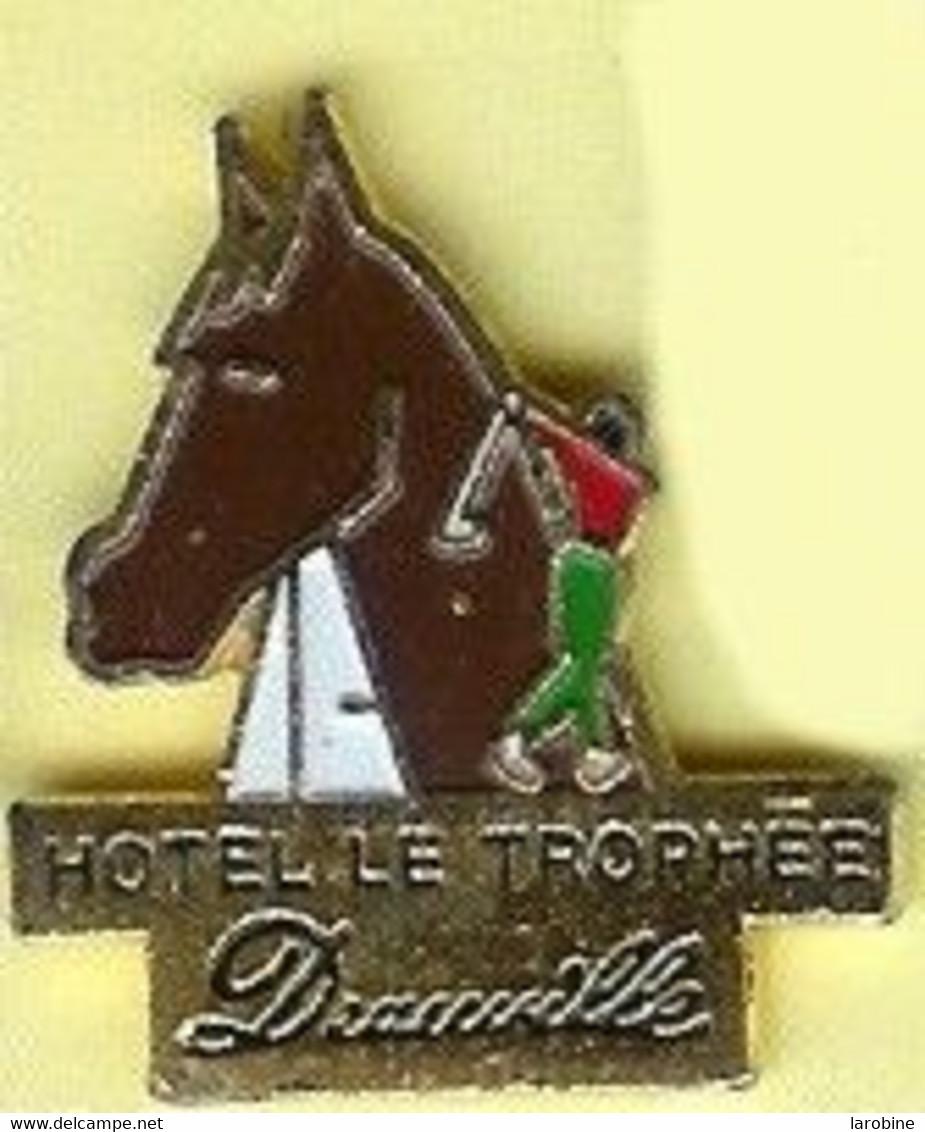 @@ Cheval Golf Hôtel Le Trophée DEAUVILLE (2x3.5) @@anim44a - Golf