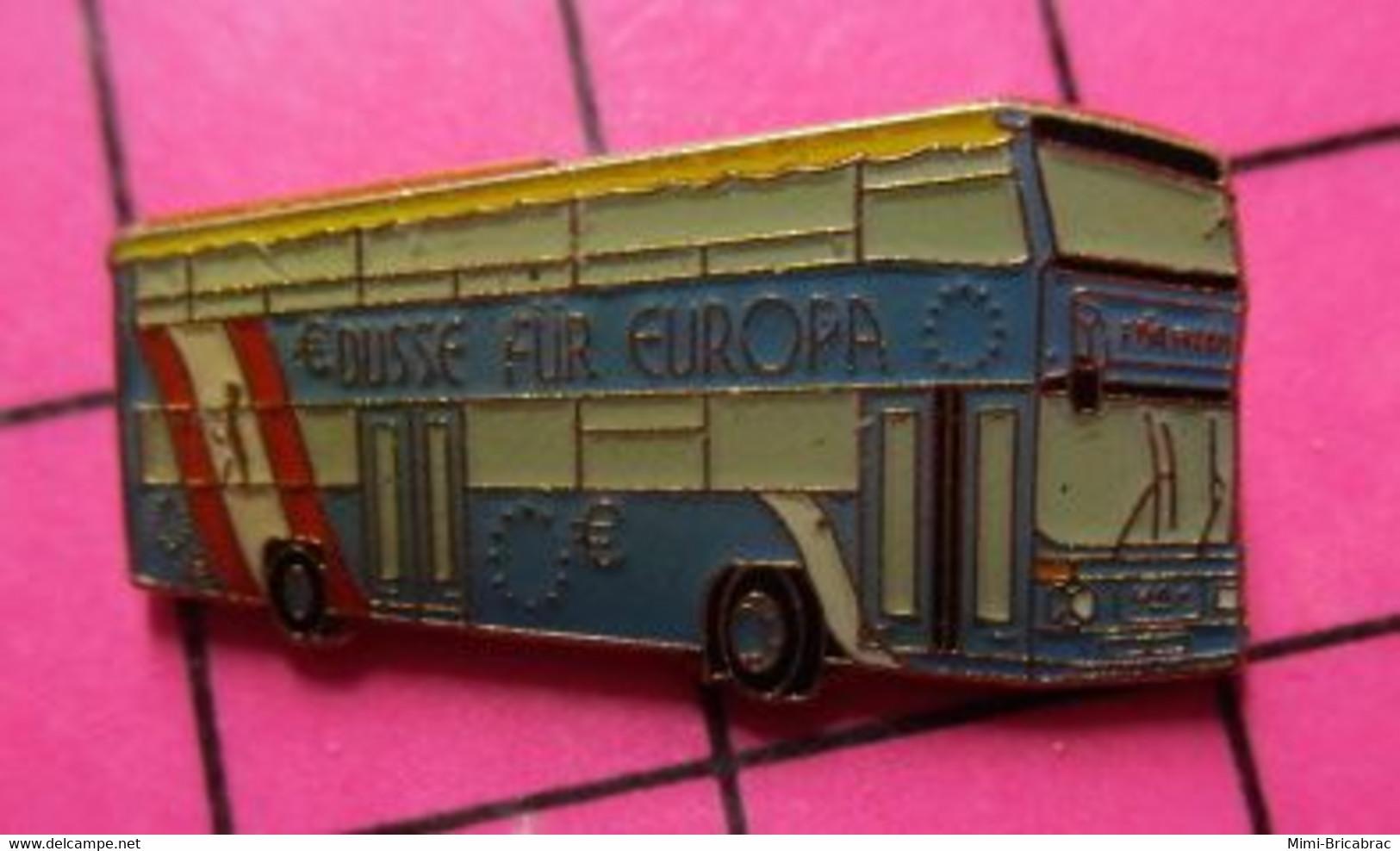 SP06 Pin's Pins / Beau Et Rare / THEME : TRANSPORTS / AUTOBUS ROUTIER SUISSE BLEU BÜSSE FUR EUROPA - Trasporti