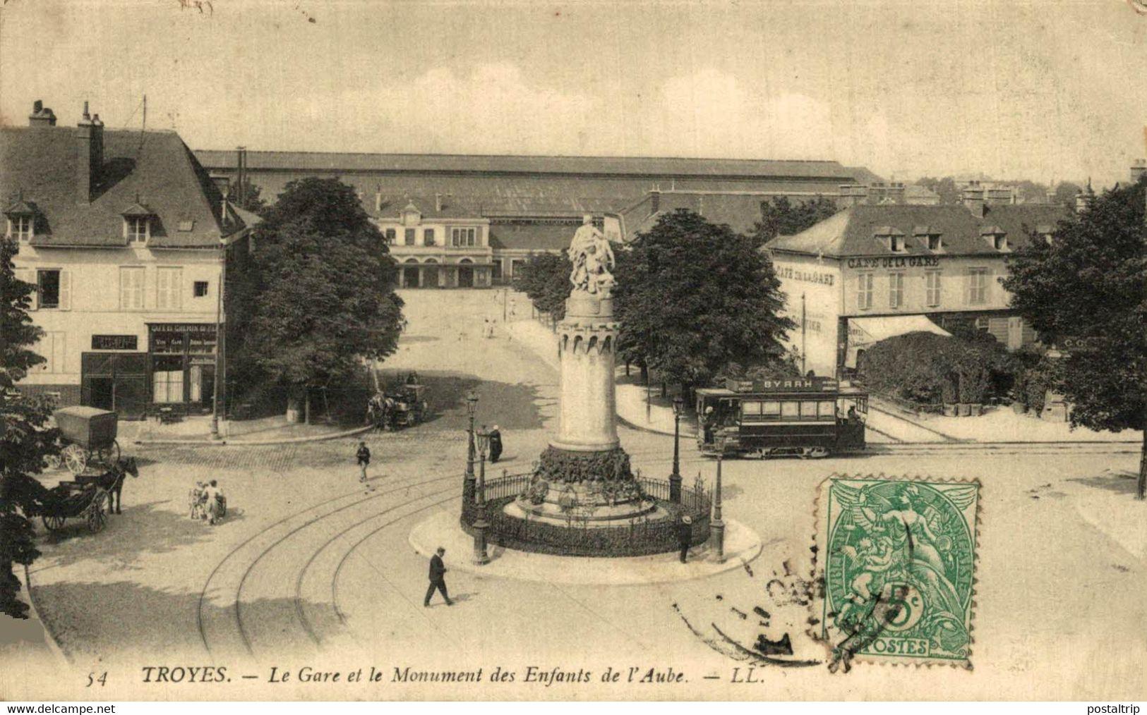 Troyes La Gare Et Le Monument Des Enfants De L'Aube 10Aube France Frankrijk Francia - Troyes