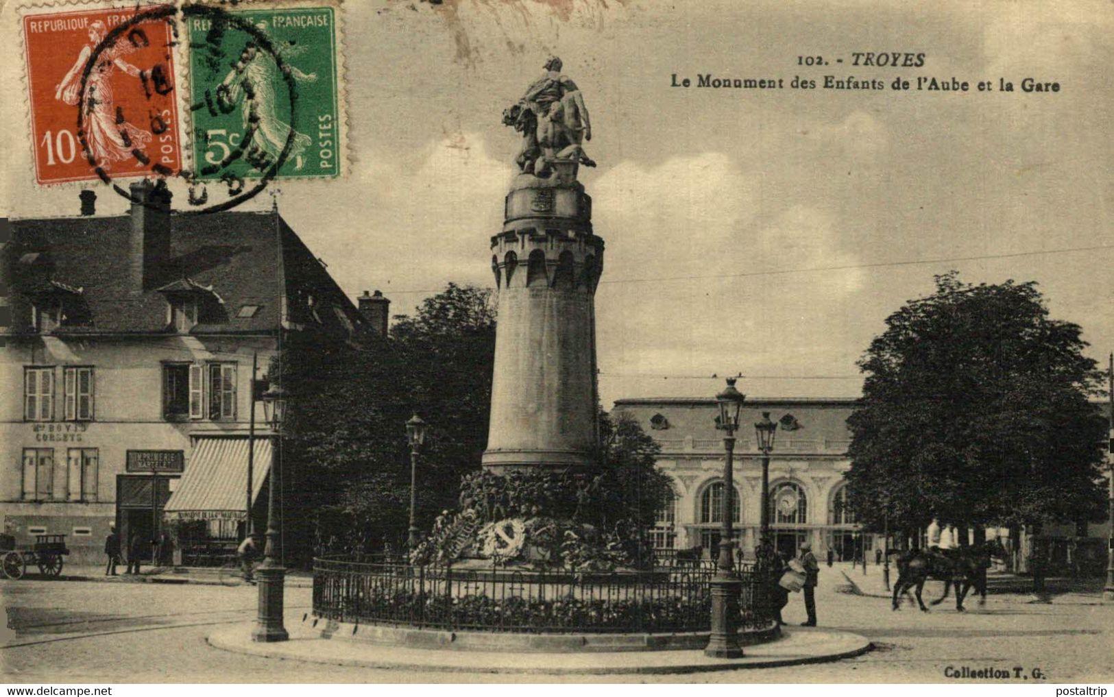 Troyes Le Monument Des Enfants De L'Aube Et La Gare  10Aube France Frankrijk Francia - Troyes