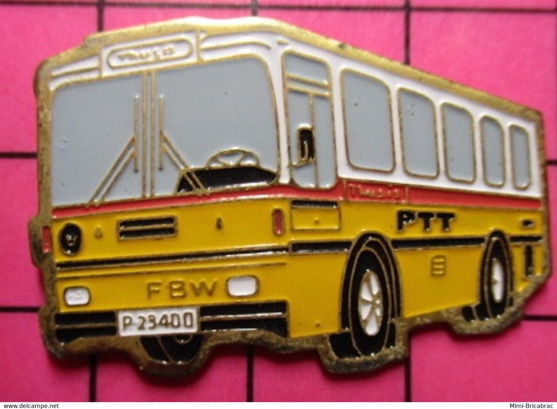 SP09 Pin's Pins / Beau Et Rare / THEME : TRANSPORTS / AUTOBUS SUISSE JAUNE ET BLANC PTT Grand Pin's - Trasporti