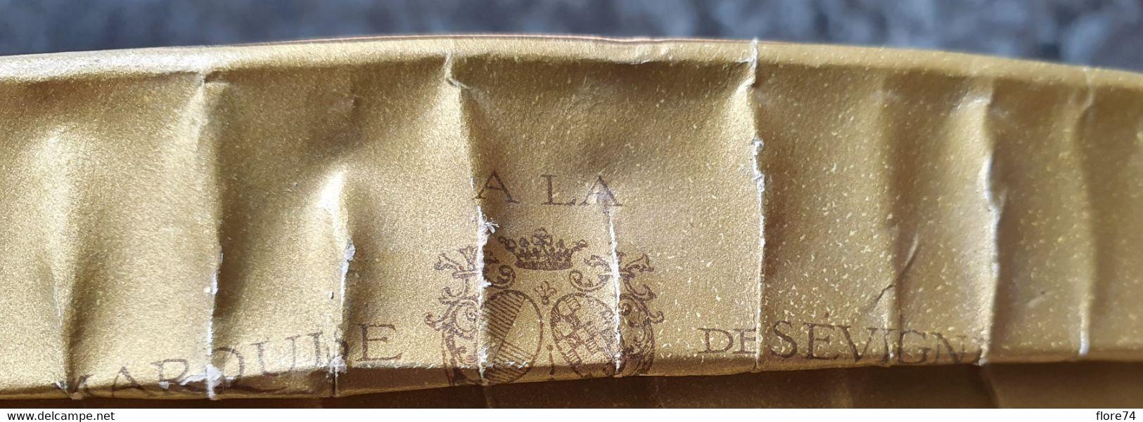 Boite En Carton  Chocolat De Royat  Rouzaud Paris A La Marquise De Sévigné - Autres