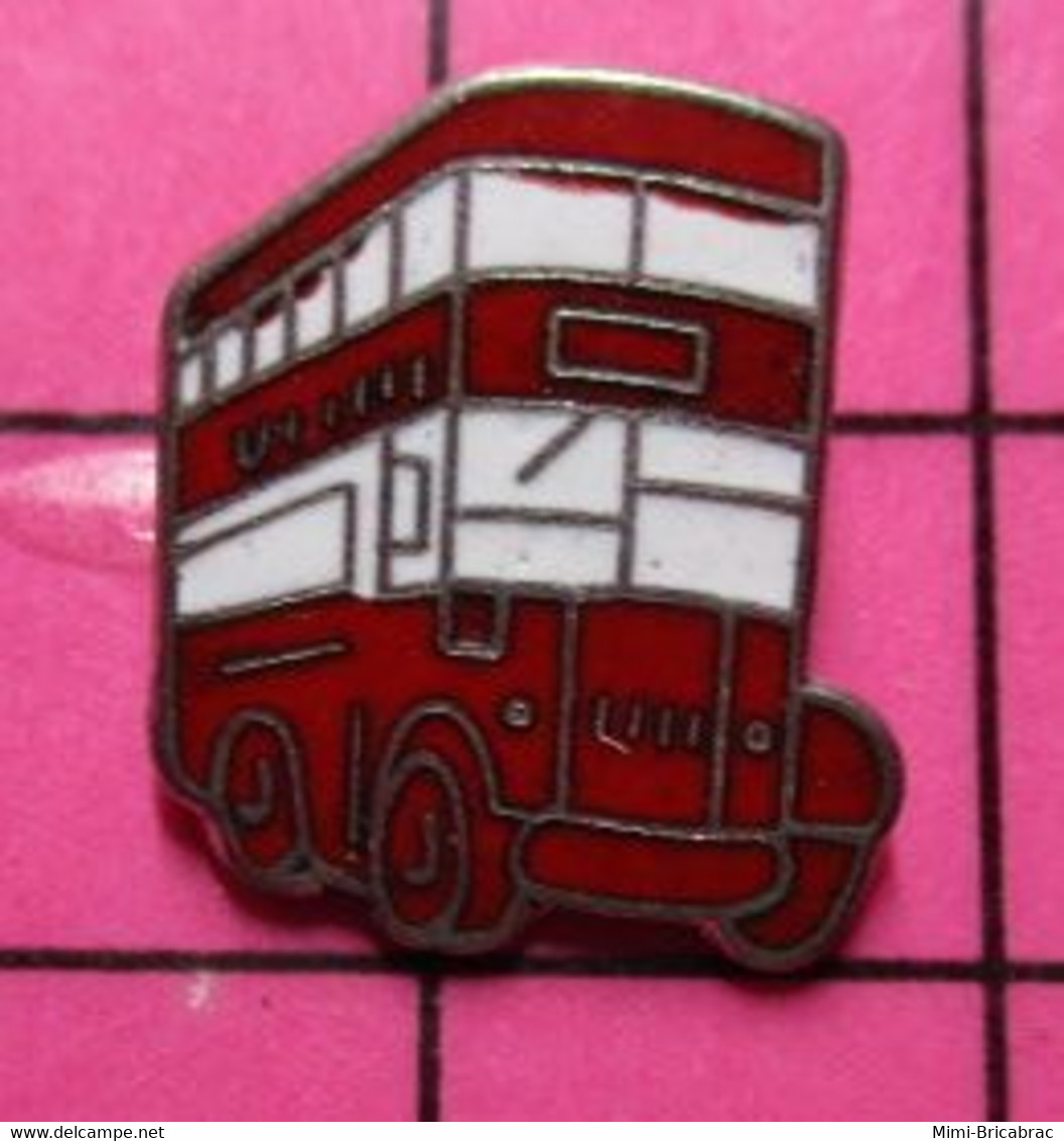 SP10 Pin's Pins / Beau Et Rare / THEME : TRANSPORTS / AUTOBUS URBAIN ANGLAIS ROUGE ET BLANC - Trasporti