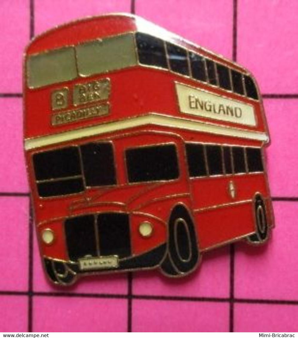 SP11 Pin's Pins / Beau Et Rare / THEME : TRANSPORTS / AUTOBUS URBAIN ROUGE ANGLAIS ENGLAND - Trasporti