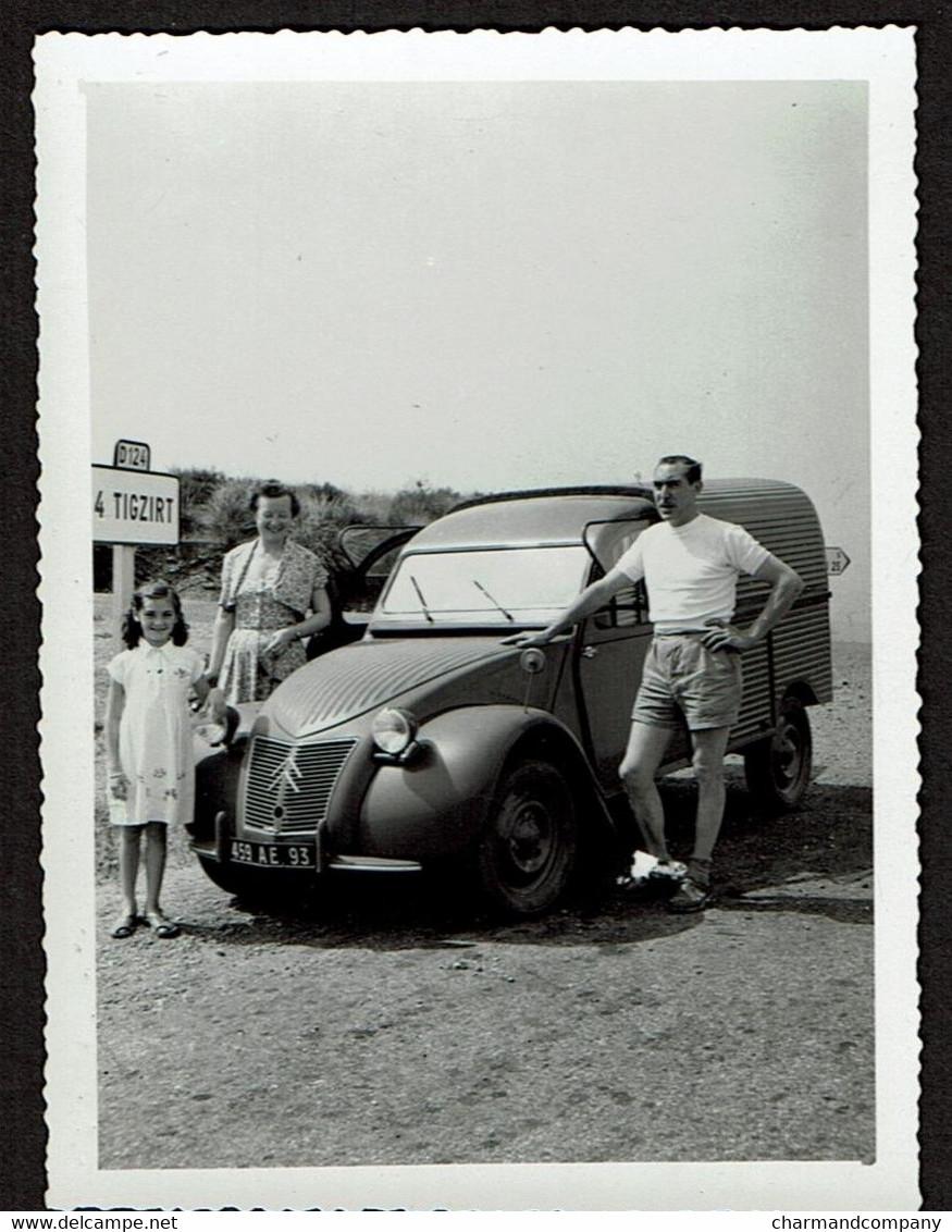 Photo Originale 9 X 6,5 Cm - Citroën 2CV Fourgonnette En Algérie - Panneau Routier Tigzirt - Voir Scan - Automobiles