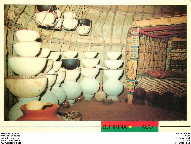 Photo Cpsm BURKINA FASO. Chambre Fille Peuhl Mariée - Burkina Faso