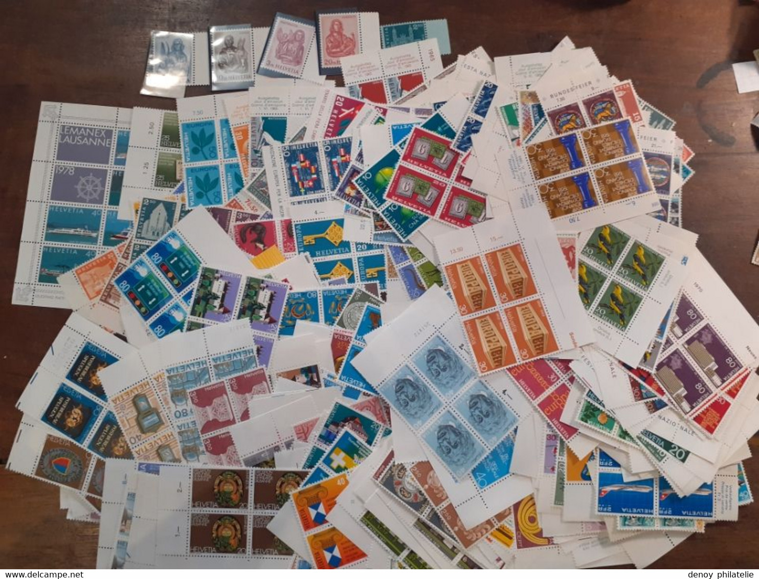 Suisse Lot De Timbres Moderne Sous Faciale 1026 Francs Suisse Soit 956  Euros Net 625 Euros - Unclassified