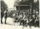 Grande Photo WW2 bless� invalide de guerre devant un g�n�ral et Officiers