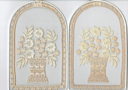 Lot De 2 Broderies Décoratives Représentant Des Fleurs - Autres Collections