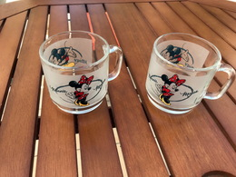 Lot De 2 Chopes Mickey Et Minnie - Neuves - En Verre - Ref A112 - Glazen