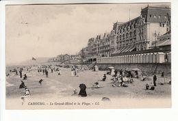 CABOURG, Le Grand Hotel Et La Plage (belle Animation) - Cabourg