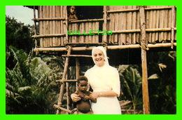 MISSIONS  - PAPOUASIE - SOEUR MARUE DANIELLE,MONTFORTAINE - OEUVRE MISSIONNAIRE DES ENFANTS - - Missions