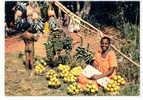10859 Afrique En Couleurs Africa Pictures . Marchande Fruits Seller Fruits . 3477 Hoa-Qui . - Cartes Postales