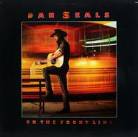 * LP * DAN SEALS - ON THE FRONT LINE (Holland 1986) - Country En Folk