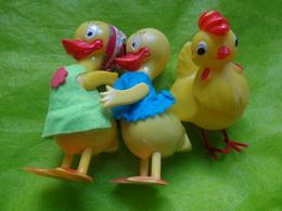 2 Lots  De 3 Sujets De Dessins Animees +  3 Petits Poussins - Figurines