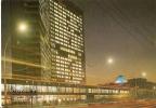 RUSSIE   -  MOSCOU...La Nuit.....Immeuble...Bâtiment ??? - Rusia