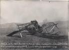Photo : Incendie En L'air De L'avion Monté Par Le Lt Pilote Colle Et Le Lt Observateur Faye.. - Krieg, Militär