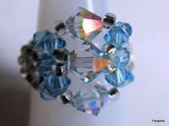 Bague Artisanale Bleue Perles Toupies En Cristal Swarovski Taille 58 (A11) - Anelli