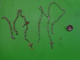 Lot De 1 Medaille Religieuse + Broche Souvenir ---systeme Brevete SH + Chapelets Ancien Incomplet - Religion & Esotericism