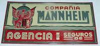 ANTIGUA CHAPA DE HOJALATA LITOGRAFIADA AÑOS 40 COMPAÑIA DE SEGUROS MANNHEIM, NUEVA CASI A ESTRENAR, MIDE 49 X 27 CMs. - Seguros