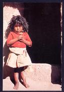Isla Taquile. Lago Titicaca. *Niña Indigena* Nueva. - Bolivia
