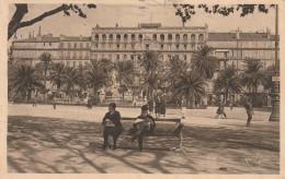 Dép. 83 - TOULON. - Place De La Liberté. Animée. - Toulon
