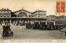 75 PARIS - La Gare De L'Est - Station Des Autobus Pour Le Trocadéro - Transport Urbain En Surface