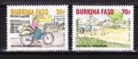 2010 Serie De 2 Timbres Transport Charrette Velo - Burkina Faso (1984-...)