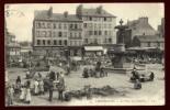Cpa Du 50  Cherbourg La Place Du Château    LOR6 - Cherbourg