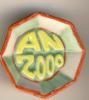 "FEVE  ""AN 2000"" - ASSIETTE  OU PLAT OCTOGONAL - FOND VERT ET JAUNE - ENTOURAGE ROUGE - Charms"