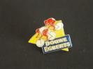 Pin's Pins Badges Wielrennen Cyclisme Douwe Egberts Koffie Cafe Coffee - Wielrennen