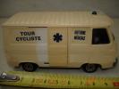 N°5 CAMION J7 PEUGEOT NOREV TOUR CYCLISTE  ETAT NEUF 11X5,5cm PARFAIT ETAT - Jouets Anciens