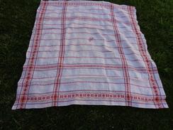 1 Nappe Ancienne Damassée 130x121cm  Monogramme Rouge VC - Vintage Clothes & Linen