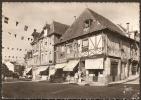 Cpsm DOL DE BRETAGNE (35) La Grande Rue,vieilles Maisons  (pliure En Haut Angle Droit) - Non Classificati