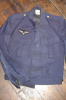 ARMEE DE L AIR / BLOUSON BLEU + INSIGNE +2 BOUTONS  / TRES BEL ETAT - Uniforms
