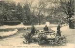 Luçon : Effet De Neige Au Jardin Public, Le Pont Rustique. 2 Scans. Edition Nozais Artaud - Lucon