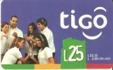 TARJETA DE HONDURAS DE 25 LEMPIRAS  DE TIGO  - GRUPO DE GENTE - Honduras