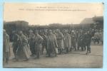 BRETAGNE - Grande Guerre -1914-1918- Soldats Allemands Prisonniers Traversant Une Gare Bretonne - Bretagne