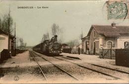 Cpa 45  DORDIVES  La Gare , Animée ,train En Gare, Colorisée - Gares - Avec Trains