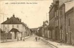 Lons Le Saunier  Rue Des Salines Animée N°2083 - Lons Le Saunier
