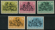 Pays Bas (1952) N 582 à 586 Luxe