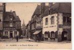 """Paimpol..animée..la Place Du Martray..commerces..café Du Marché..""""Au Bon Marché"""" - Paimpol"""
