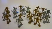 23 FIGURINES DE MANGAS ? EXTRA TERRESTRES ? - Figurines