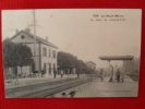128-  Gudmont La Gare Animée  Vue Recto-verso - France
