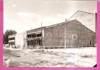 ANTIBES   -    **  BATIMENT EN CONSTRUCTION AU STADE FOCH **   -    PHOTO Format : 180 X 130mm - Lieux