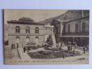 LE MONT DORE - Place Michel Bertrand Et Monument De La Grande Guerre - Le Mont Dore