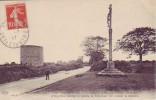 22 Saint Cast - Le Calvaire Et Moulin D'Anne Ou Le Duc D'Aiguillon Pendant La Bataille Vint Caresser La Meunière - Saint-Cast-le-Guildo